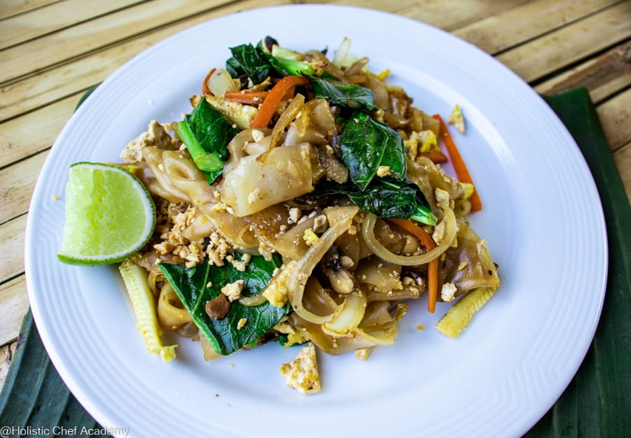 pad see ew noodles ready to eat 4
