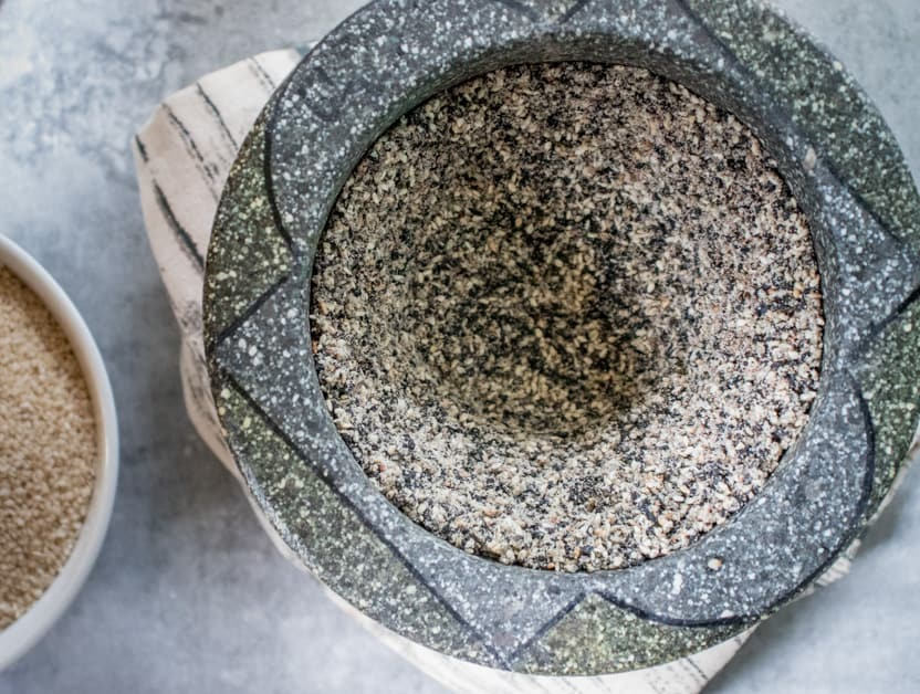 gomashio pounded in the mortar and pestle
