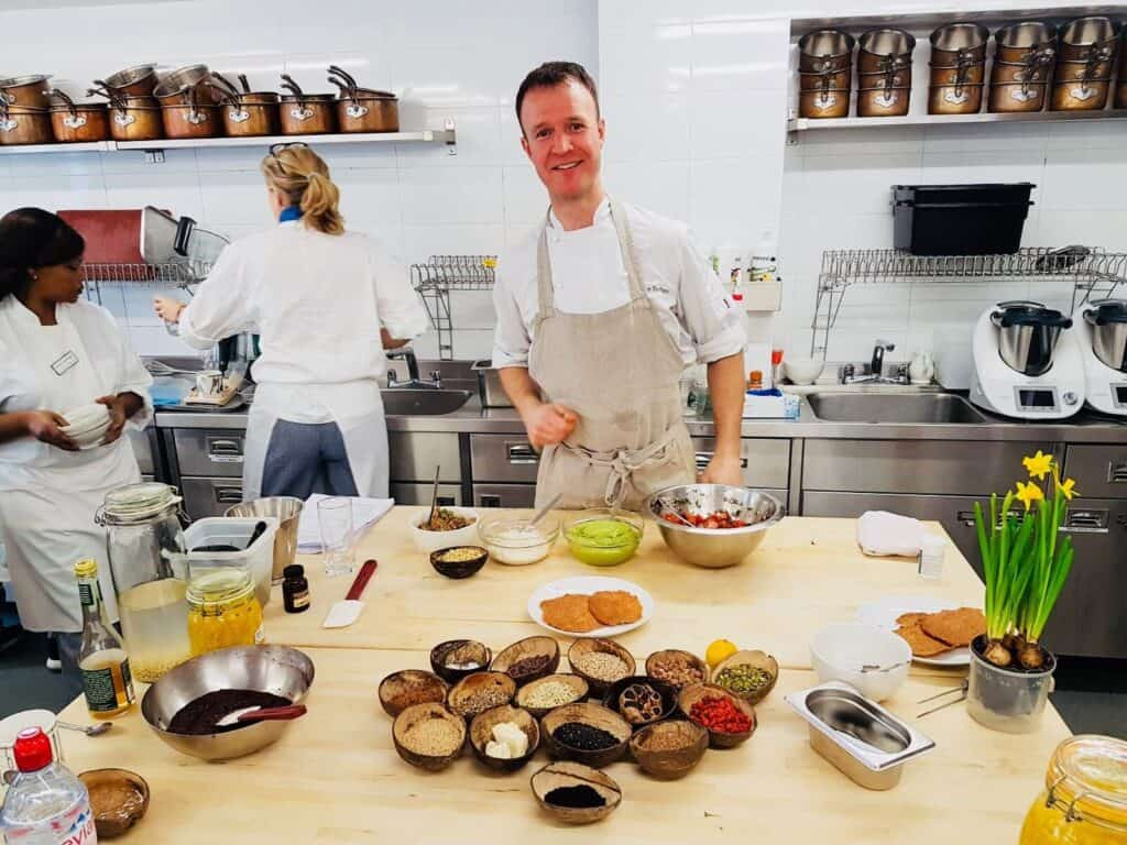 Jamie teaching a healthy cooking class