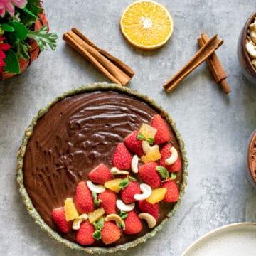 raw chocolate vegan cheesecake ready to slice