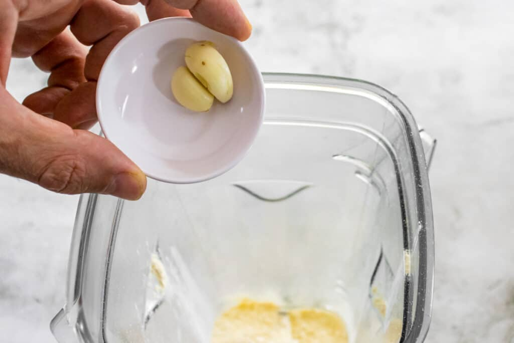 add-the-garlic-to-the-blender