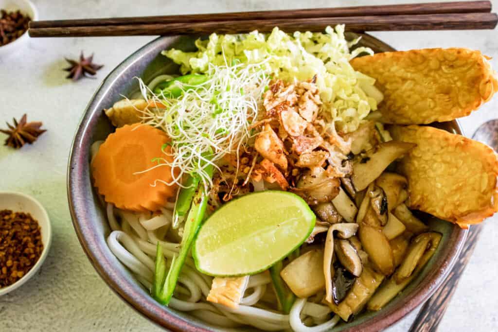Vietnamese-pho-tempeh-noodle-soup