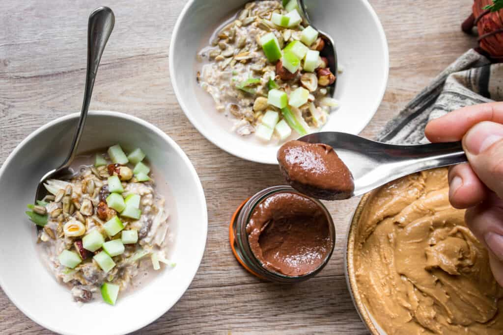 breakfast-bowl-with-chocolate-spread-and-peanut-butter