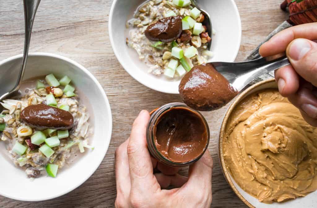 vegan-chocolate-spread-served-on-Bircher-muesli