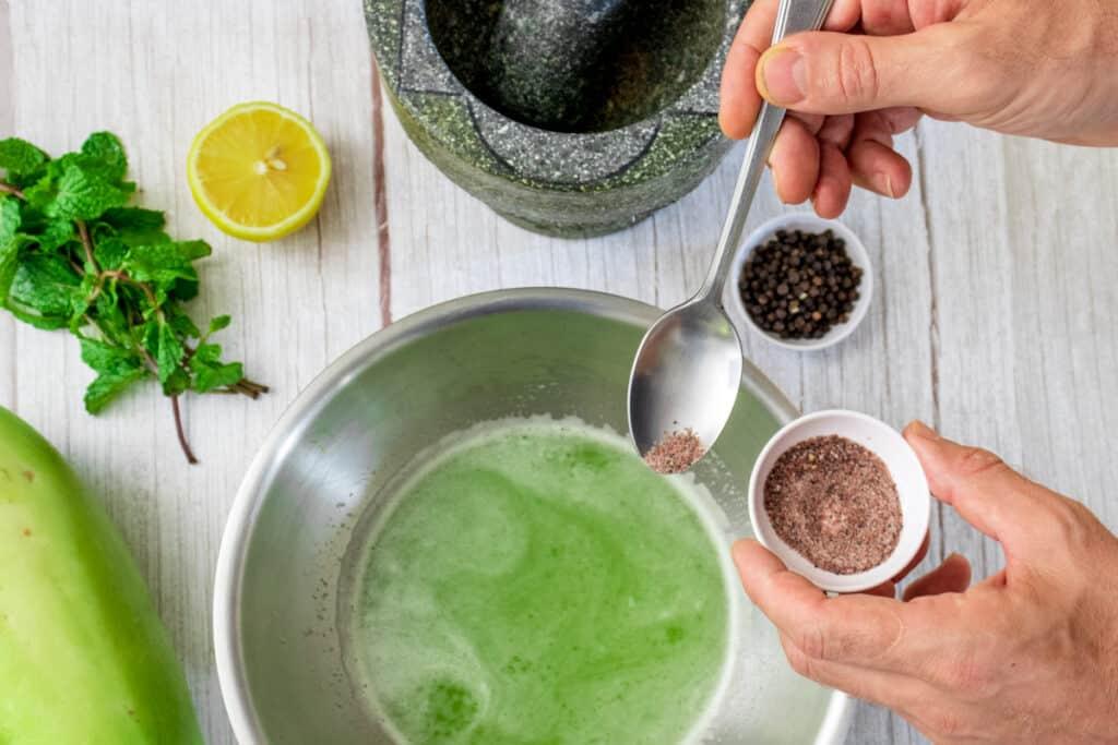 seasoning-juice-with-black-salt