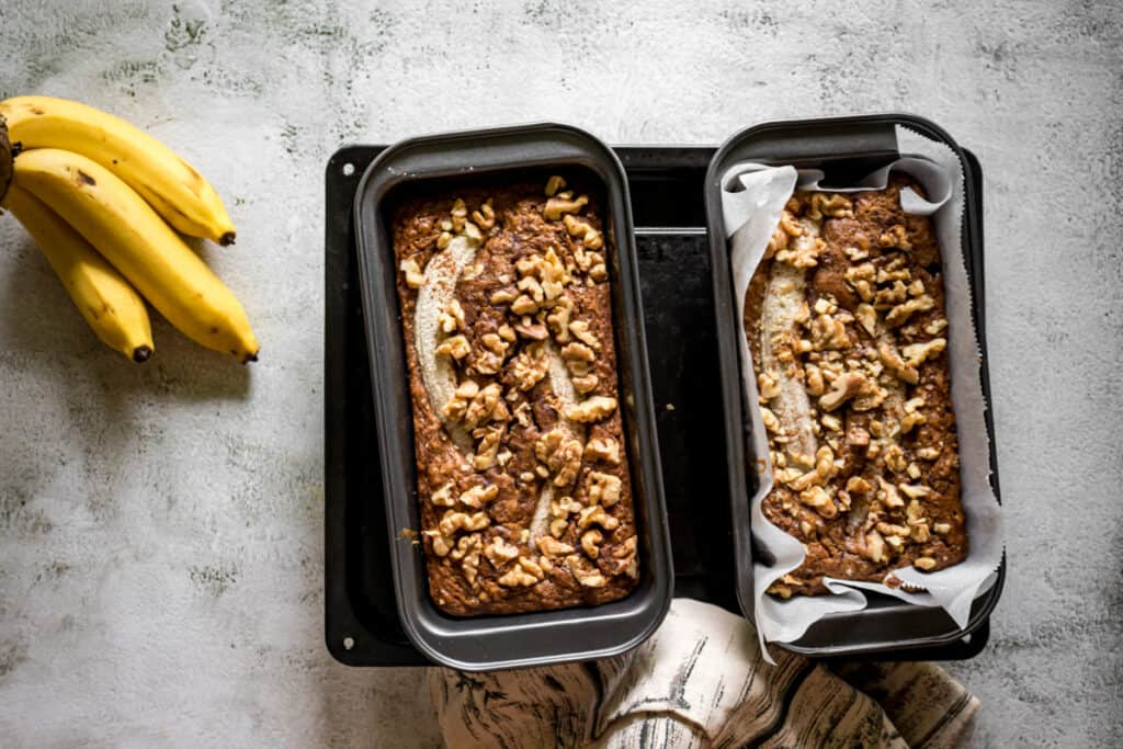 banana-bread-sprinkled-with-walnuts