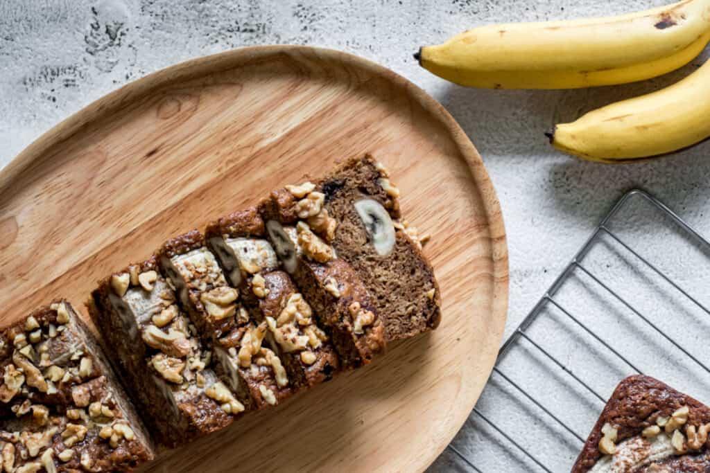vgean-banana-bread-sliced