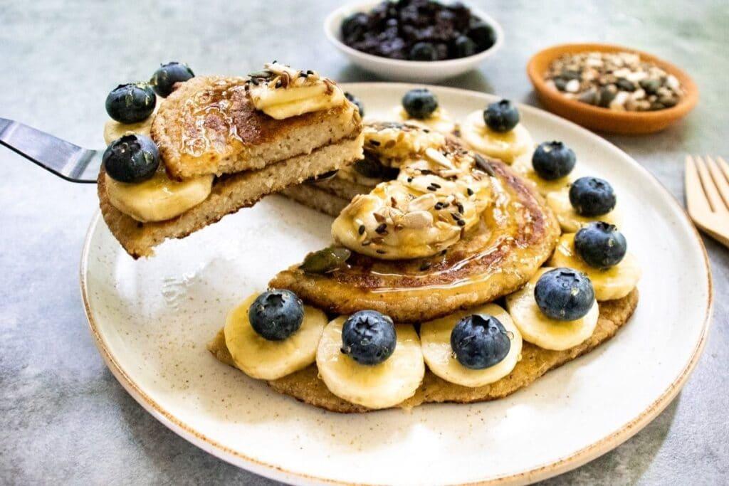 cutting-a-slice-of-pancake-to-serve