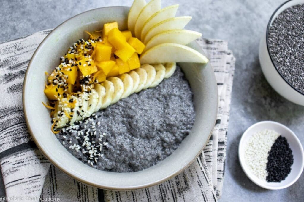 chia-seed-pudding-with-black-sesame-milk-and-mango ready to eat