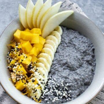 black-sesame-chia-pudding-in-a-bowl