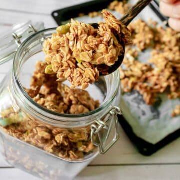 vegan-granola-in-a-jar