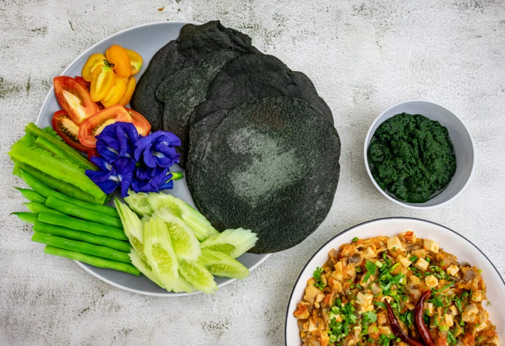 Wolffia-Namprik-Ong-lunch-set