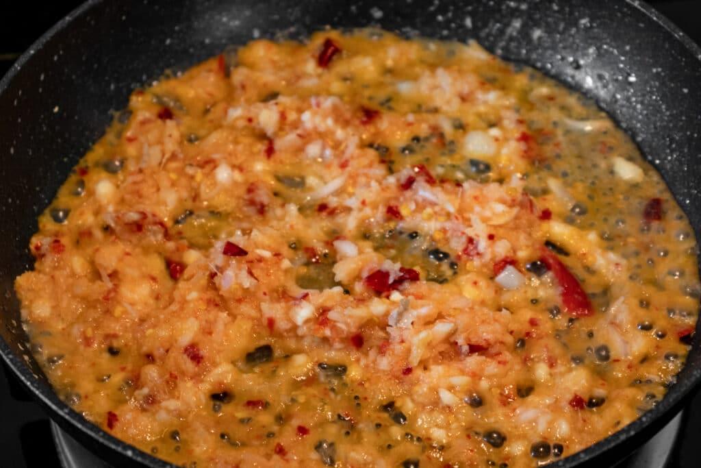 cooking-sauce-nam-prik-ong