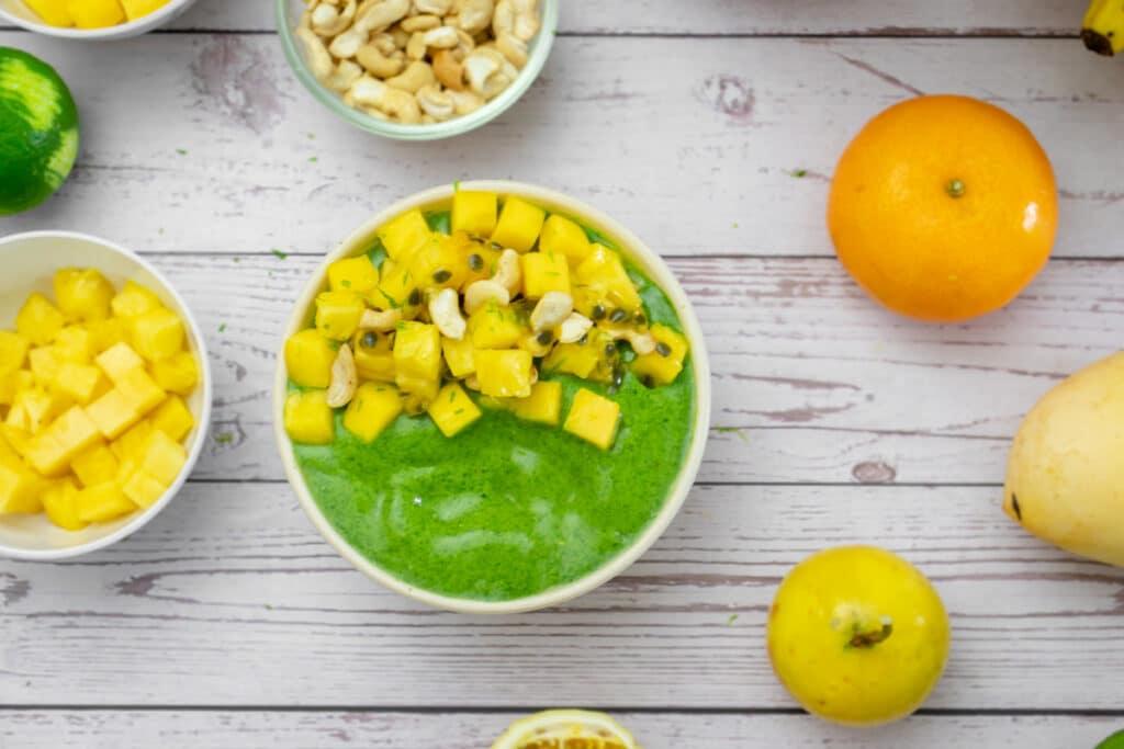 wolffia-protein-smoothie-bowl-garnished-with-mango